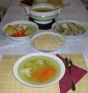 Húsleves - A terített asztalon