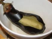 Padlizsánkrém - Szépen elvált a héja a húsától!