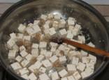 Zöldséges tofu - Add hozzá a tofukockákat!