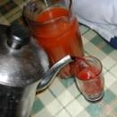 Csipkelekvár - A vízzel hígított magos masszát szűrd le, cukrozd meg, jó ivólé lesz belőle!