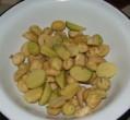 Rozmaringos újkrumpli - Amíg melegszik az olaj, darabold fel a krumplikat!