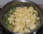 Kelkáposztafőzelék - Add a krumplit a káposztához!