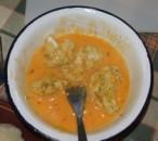 Rántott karfiol - Forgasd meg a karfioldarabokat a tojásban!