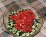 Sopszka - Vágd bele a paradicsomokat az uborkába!
