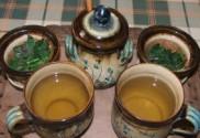 Citromfű-tea - Tedd a fűtartót a megfordított fedőbe!