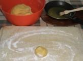 Rongyos lángos - Tépj le egy tojásnyi darabot a tésztából, ez egy adag!