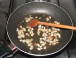 Tavaszi zöldségleves - Pirítsd meg a szalonnát!