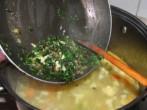 Tavaszi zöldségleves - A szalonnás petrezselymet kapard a levesbe!