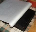 Túrós szelet - Vond be sütőpapírral a tepsi hátát!
