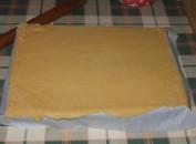 Túrós szelet - A letépett tésztadarabokból pótold a sarkokat!